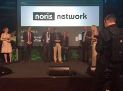 Ingo Kraupa, Vorstandsvorsitzender der noris network AG (4. v. l.), freut sich über den Deutschen Rechenzentrumspreis 2016, den er auf dem Rechenzentrumskongress future thinking erhalten hat.