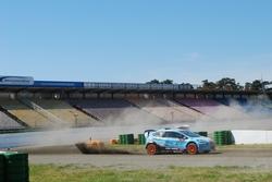 Rallycross auf ungebundener Wegedecke