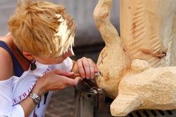 Bildhauer stellen beim Atelier Open Air ihre Kreativität und ihr Können unter Beweis. Foto: Mora-Foto