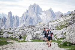 Extremsport inmitten imposanter Berggipfel: Die Route des North Face Lavaredo Ultra Trail zählt zu den schönsten Strecken der Welt. Foto: Cortina Marketing