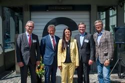 V.l.n.r.: W.Grossmann (Geschäftsführer Park & Ride GmbH), W.Roeck (Geschäftsführer WÖHR + BAUER GmbH), Prof. Dr.(I) Merk (Stadtbaurätin der Stadt München), J. Niepelt (Geschäftsführer Otto Wöhr GmbH)