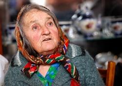 Krieg und Verfolgung brachen über die erst dreizehnjährige Sofia K. im Sommer 1941 herein, nachdem Nazi-Deutschland die Sowjetunion überfallen hatte. Heute ist sie auf Hilfe angewiesen. Foto Marco Lim