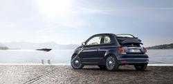 Kooperation zwischen zwei Legenden italienischen Designs. Erhältlich als Limousine und Cabriolet.