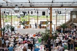 """noris network feierte die Fertigstellung des Rohbaus seines neuen Rechenzentrums München-Ost mit einer """"Beach-Party. (Bildquelle: noris network)"""