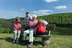 Die Gemeinde Willingen im Sauerland ist beliebt bei jungen und älteren Urlaubern.