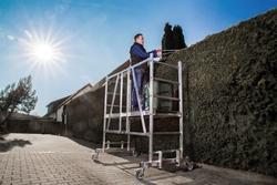 Sicherheit und hohe Bewegungsfreiheit sind Trumpf beim neuen ML Gerüst der Günzburger Steigtechnik. Foto: Günzburger Steigtechnik