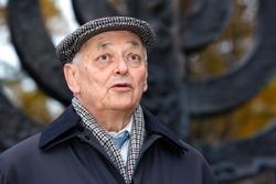 Wassili Michailowski, Überlebender des Massakers von Babi Jar, erinnert sich bis heute an das ununterbrochene Rattern der Maschinengewehre. Foto: M. Limberg