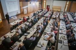 Das Forum Holzbaukompetenz kommt an. 2016 findet es an zwei Standorten statt. Foto: Schwenk Putztechnik