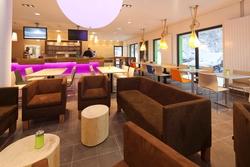 Trendige Einrichtung und Passivhaus-Konzept – beides kommt bei den Hotelgästen sehr gut an. Foto: Explorer Hotel