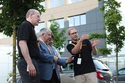 Rainer Blatt (2. v. l.), Mitglied des Kuratoriums der Nobelpreisträgertagung und als Wissenschaftlicher Leiter der Tagung dieses Jahr für das Programm zuständig.