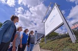 ZEISS begeht in diesem Jahr den 200. Geburtstag seines Firmengründers mit vielfältigen Aktivitäten und Veranstaltungen. Höhepunkt der Feierlichkeiten wird der Carl Zeiss Tag am 11. September 2016