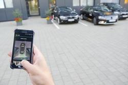 Vorführung von Remote Parking, dem automatisierten Einparken ohne Fahrer im Fahrzeug.