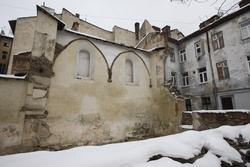 Spuren zerstörten jüdischen Lebens – Ruinen der Synagoge von Lemberg. Foto: Marco Limberg